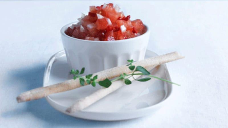 Tomat og løksalat