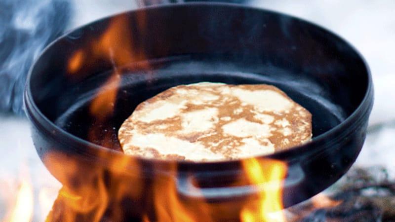 Pannekaker på bål