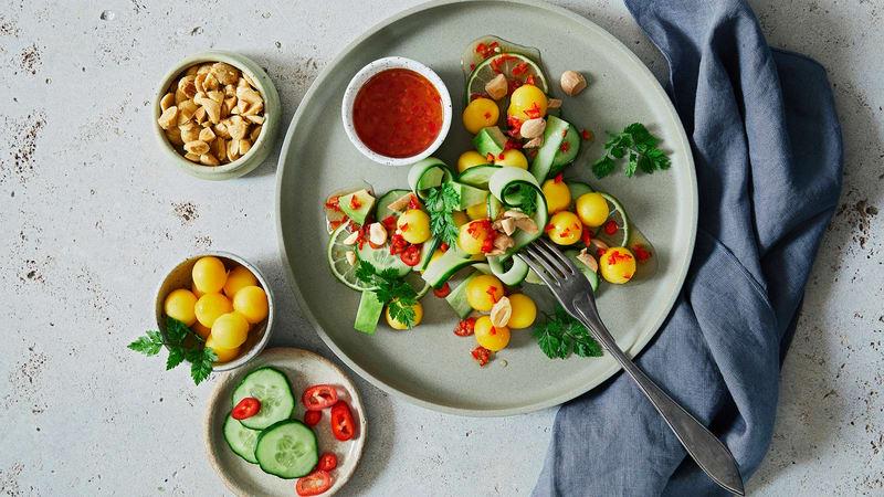 Spicy agurksalat med mango og chili