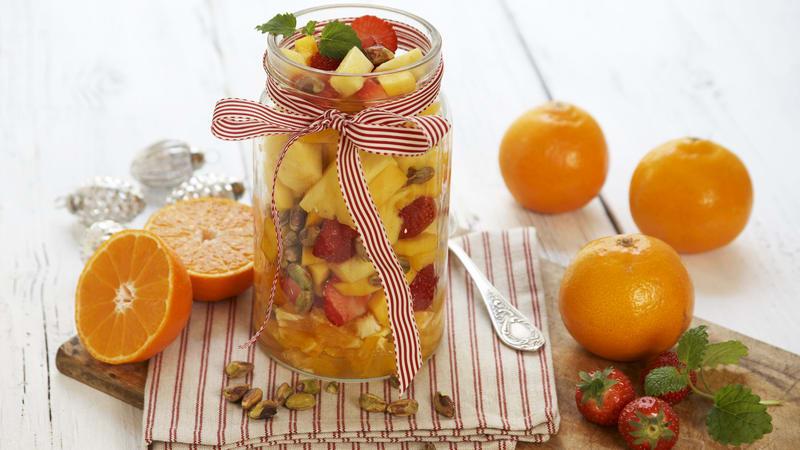 Fruktsalat med pistasjenøtter