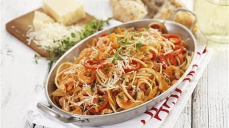 Pasta med reker og grønnsaker