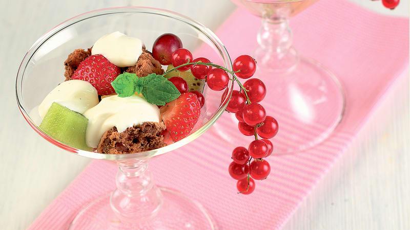 Frukt og kjeks i glass