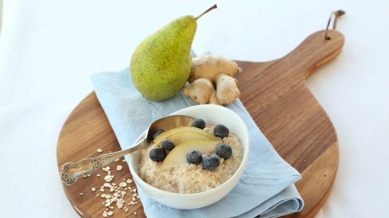 Havregrøt med pære og ingefær