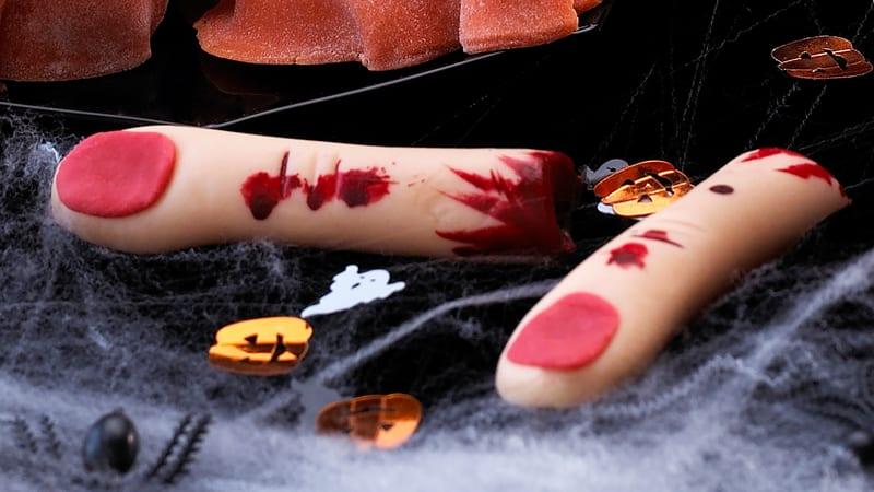 Blodige marsipanfingre, halloween oppskrift