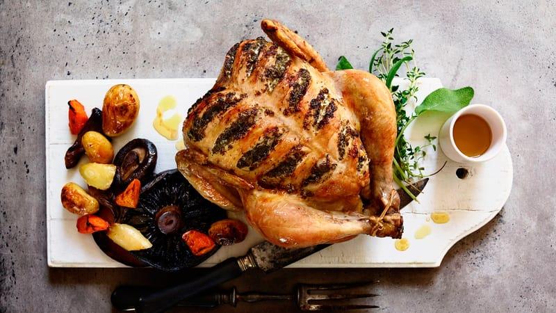 Saftig helstekt kylling med grønnsaker