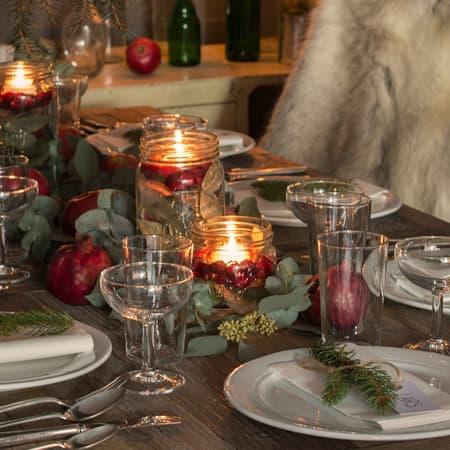 Pynt bordet til jul