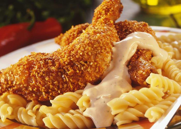 Stekte kyllinglår med pasta