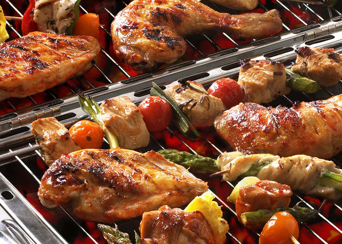 Grillede kyllinglår kledd i bacon