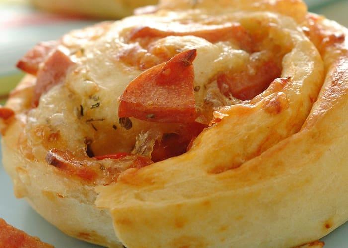 Pizzasnurrer med kyllingkjøttdeig