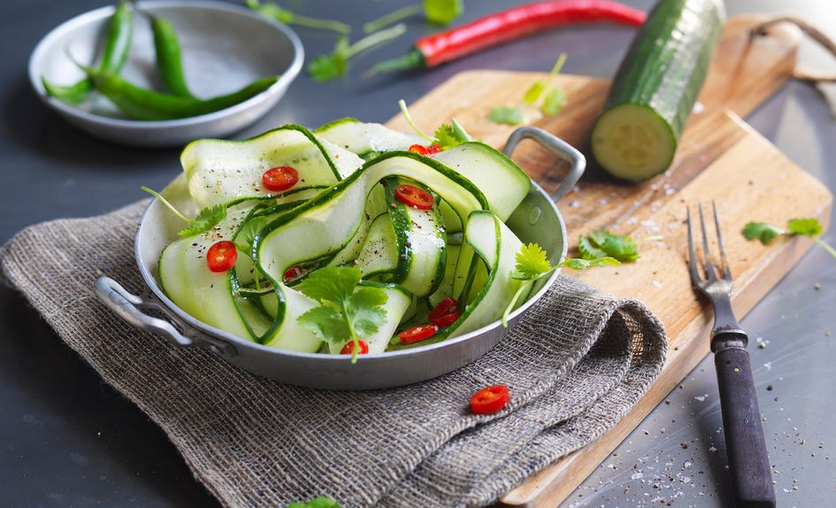 Agurk- og chilisalat