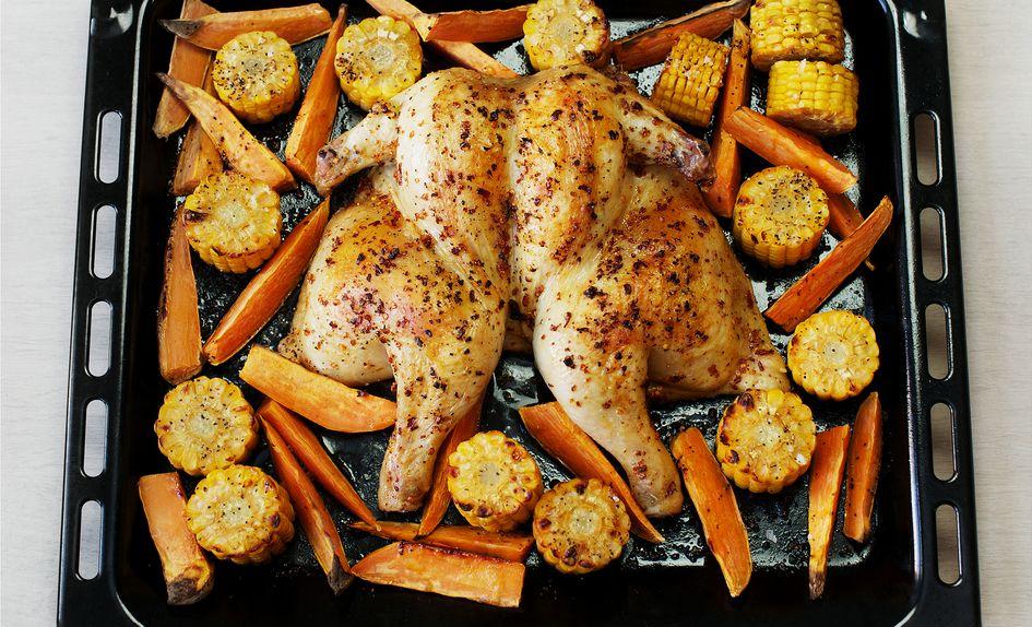 Sørstatmarinert kylling med søtpotet og maiskolber