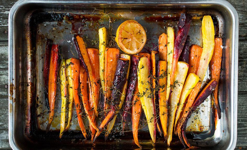 Ovnsbakte gulrøtter med sitron, honning og timian