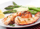 Hummer med asparges og creme fraiche