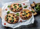 Pizza med chorizoboller og spinat