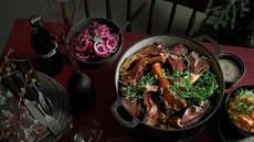Pinnekjøtt med rødløk- og kålsalat