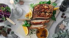 Ribbenstek med hjemmelaget rødkål og sjysaus
