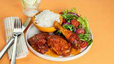Kyllinglår med ris og salat