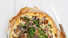 """Pizza """"Cæsar"""" - med kalkun og ruccola"""