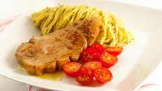 Svinekoteletter med pestospagetti