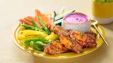 Kyllingvinger med grønnsaker  og rødbetedipp