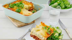 Lasagne med kjøttdeig, søtpoteter og avokadosalat
