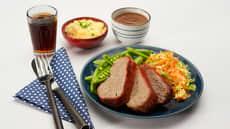 Klassisk meatloaf medfløtepoteter