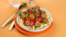 Kjøttboller med pasta og spicy tomatsaus