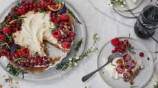 Julepai med frukt og bær
