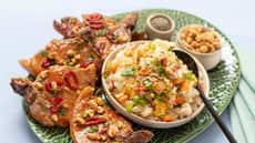 Svinekoteletter med stekt ris