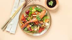 Pannestekt ørret med soyaglaserte grønnsaker