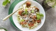 Kjøttboller med tomatsaus og tagliatelle