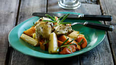 Urtemarinert lårfilet med rotgrønnsaker