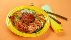 Kyllinglår med squash, aubergine og tomat