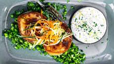 Stekte fiskekaker med brokkoliris