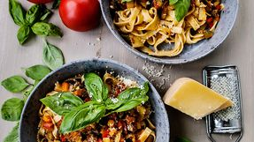 Pasta med grønnsaksragu – vegetar - august