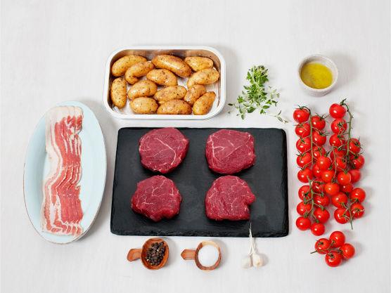 Enklere og bedre kan det ikke bli! Prøv ferdige baconbiffer av mørbrad fra ferskvaredisken hos MENY. Varier gjerne med andre urter eller krydder etter smak.