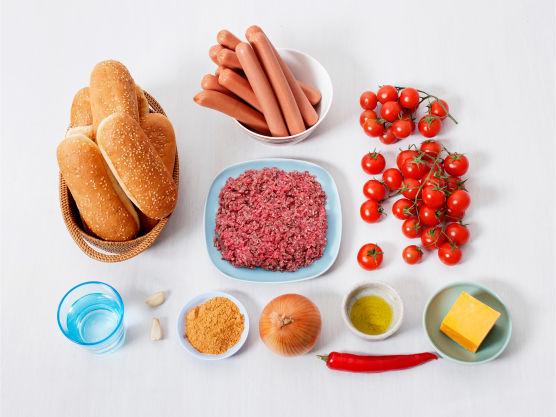 Ha gjerne røde eller brune bønner i chili- og kjøttdeigblandingen.