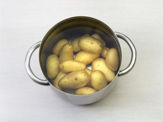 Kok potetene knapt møre.