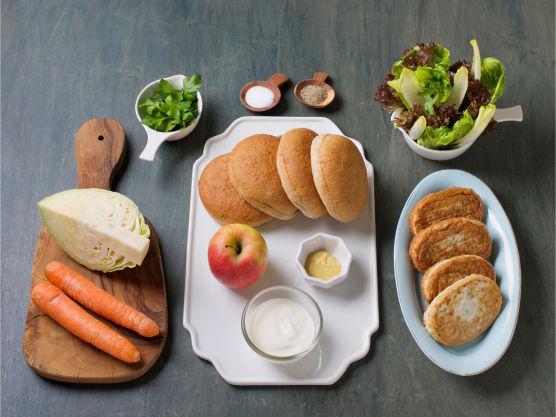 En sunn og næringsrik favoritt. Dijonsennep kan erstattes med vanlig sennep og hamburgerbrød med grovt rundstykke.