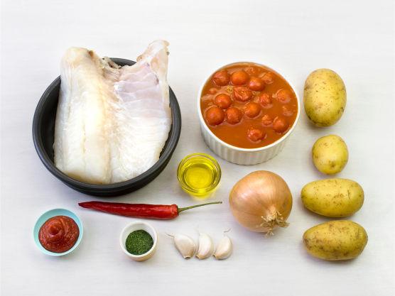 Ingredienser. Du kan godt bruke ferdigkokte poteter. Ha gjerne oliven og paprika i bacalaoen.