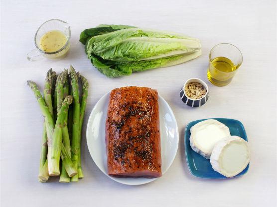 Dette er en oppskrift på indrefilet av svin som forlenger sommeren. Indrefilet av svin kan byttes ut med hvit fisk eller kylling. Smakfullt tilbehør er asparges og chèvresalat.