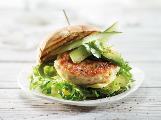 Grill eller stek burgeren ca. 2 min på hver side.