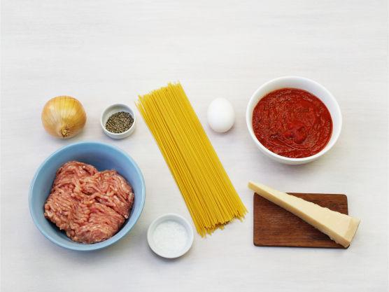 En sikker vinner blant store og små. Kjøttbollene kan lages med kjøttdeig av storfe, svin eller kylling. Server gjerne med grønn salat.