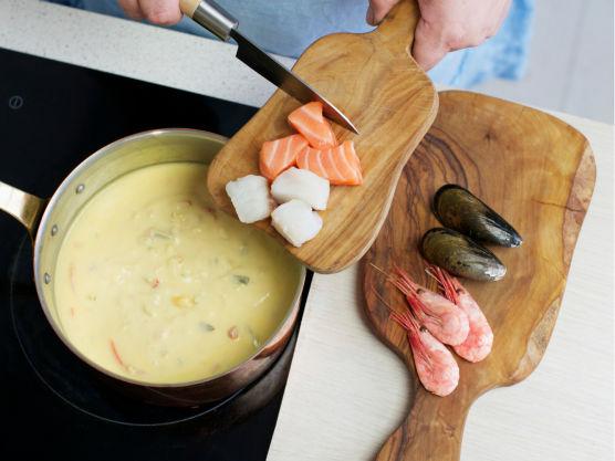 Tilsett fisk og småkok i 3 min.