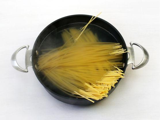 Kok pastaen etter anvisning på pakken.