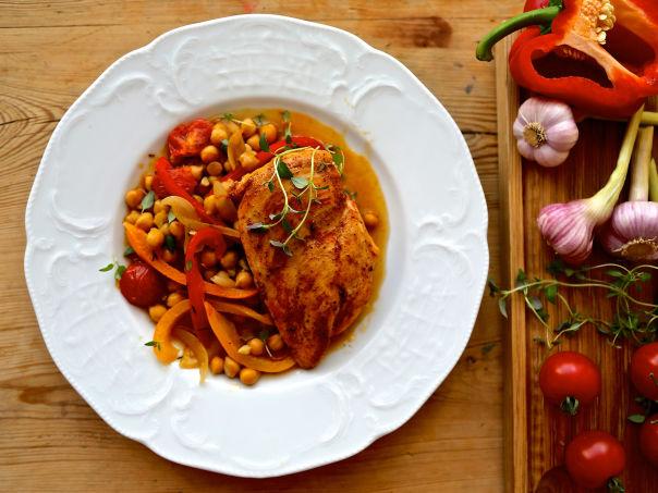 Saftig kyllingform med hvitløk og paprika