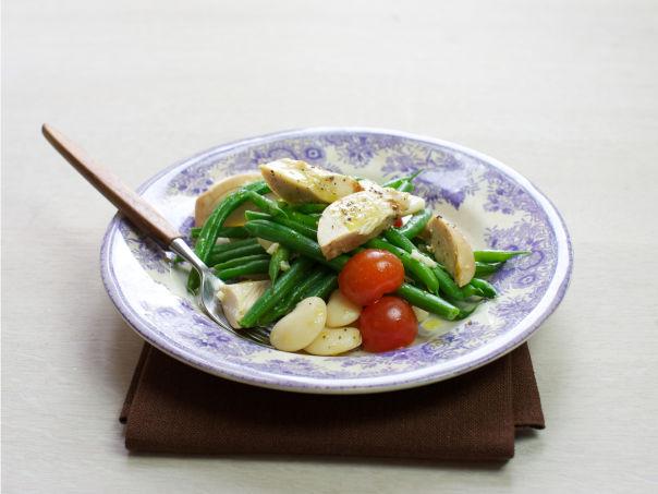 Varm bønnesalat med grillet kylling