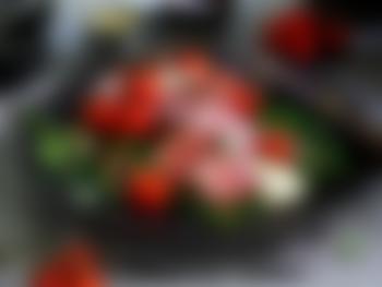Biff med bearnaisesaus og hvitløksstekte aspargesbønner