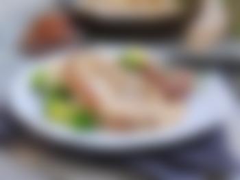 Nakkekoteletter med ovnsbakte poteter