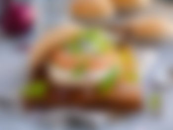 Lakseburger med tzatziki